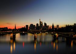 Cityblick-bei-Nacht-IV